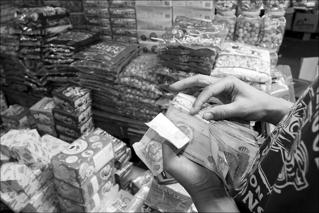 mercado roque santeiro, Angola